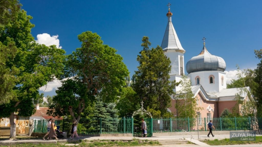 Храм Николая Чудотворца в поселке Зуя