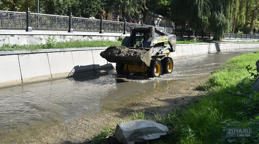 Салгир - очистка реки от мусора