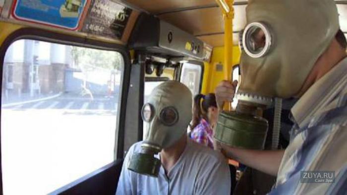 В Крыму запретили обслуживание клиентов без масок в транспорте и магазинах