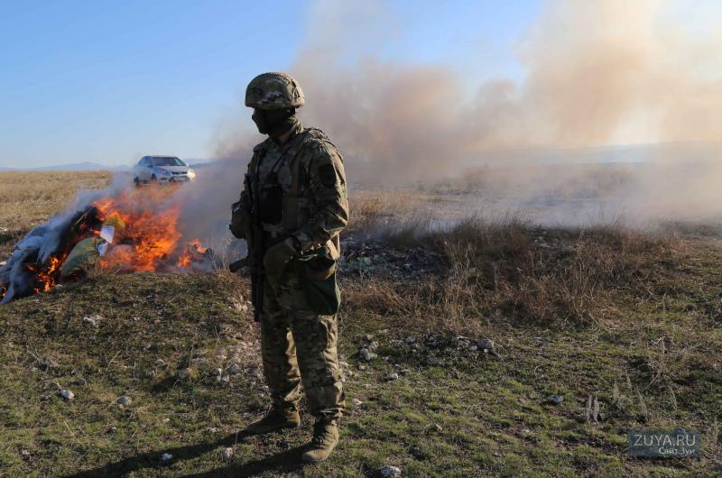 В Симферополе сожгли наркотики (фото мвд)
