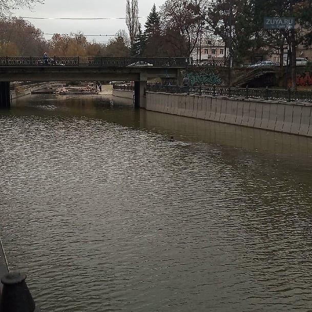 Мужчина плавал в реке салгир в Симферополе в декабре