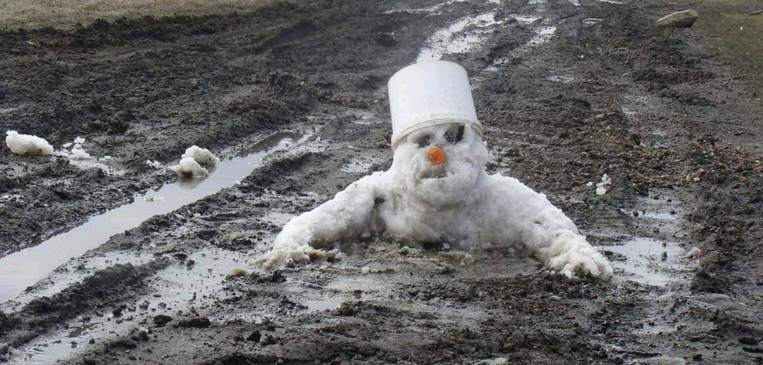 снеговик весной растаял