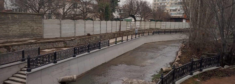 Кража ограждения на реке Салгир в Симферополе