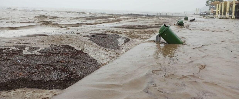 Потоп в Ялте Наводнение 18 июня 2021 фото видео