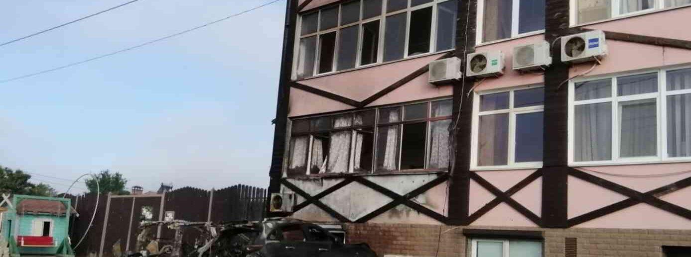 Пожар в Керчи сгорели два автомобиля
