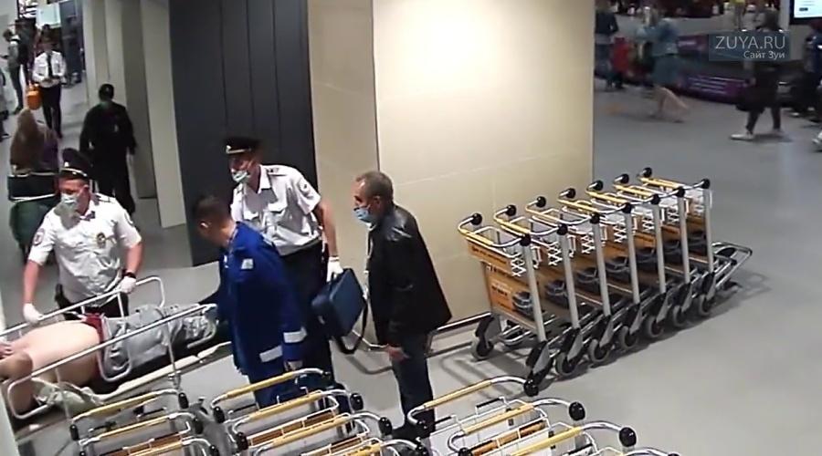 В Симферопольском аэропорту спасли мужчину с сердечным приступом