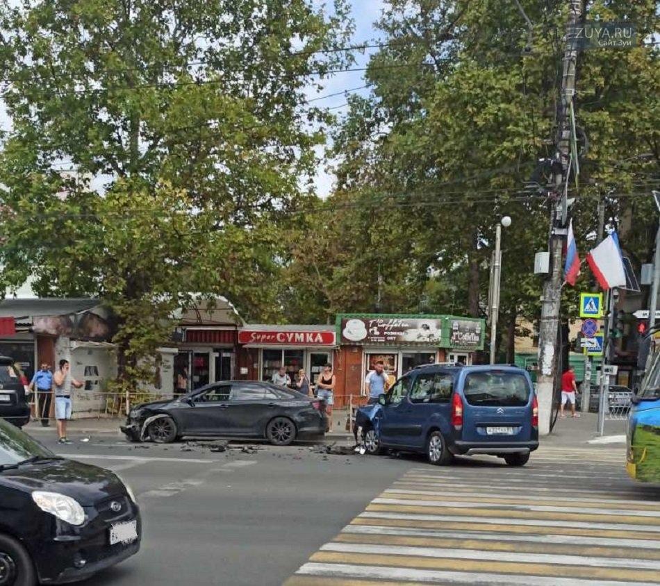 ДТП Симферополь центральный рынок