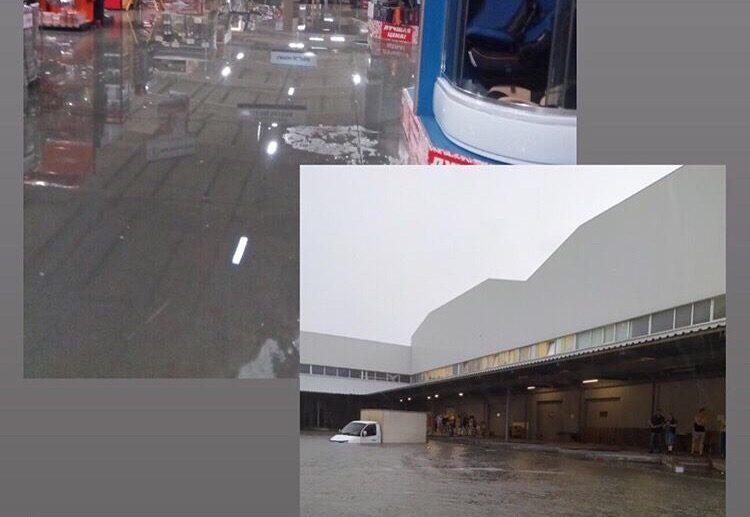 Новацентр в Севастополе затопило видео